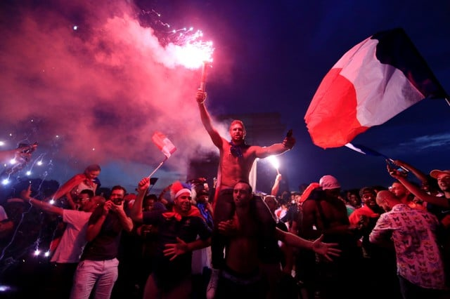 เศร้าในสุข! ฝรั่งเศส มีเหตุตาย 2 เจ็บอีก 3 สังเวยฉลองแชมป์ฟุตบอลโลก